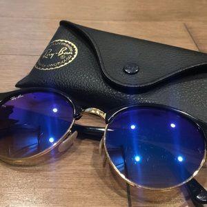Blue lens raybans